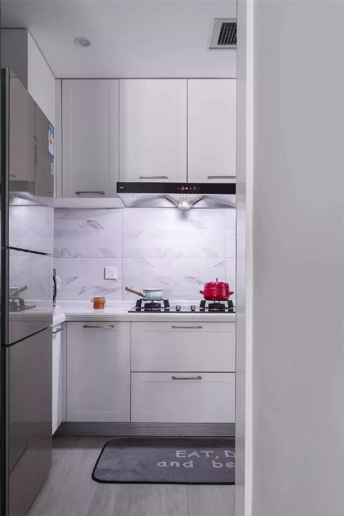 三居 白领 收纳 旧房改造 80后 小资 厨房图片来自今朝小伟在89㎡北欧三居室,既清新又暖心~的分享