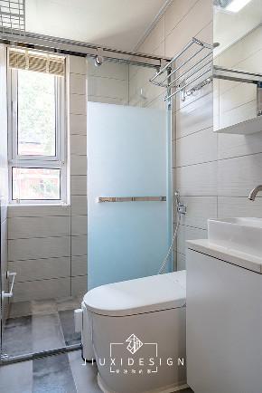 收纳 80后 旧房改造 小户型 卫生间图片来自久栖设计在利用原木白墙打造淡雅的混搭风的分享