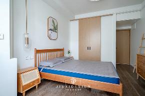 收纳 80后 旧房改造 小户型 卧室图片来自久栖设计在利用原木白墙打造淡雅的混搭风的分享