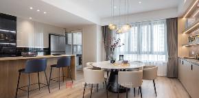 二居 餐厅图片来自禾景大陈设计在柏悦华府公寓项目的分享