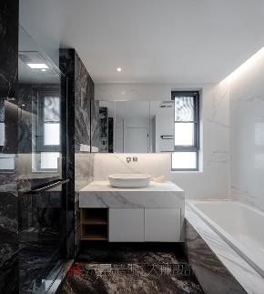 二居 卫生间图片来自禾景大陈设计在柏悦华府公寓项目的分享