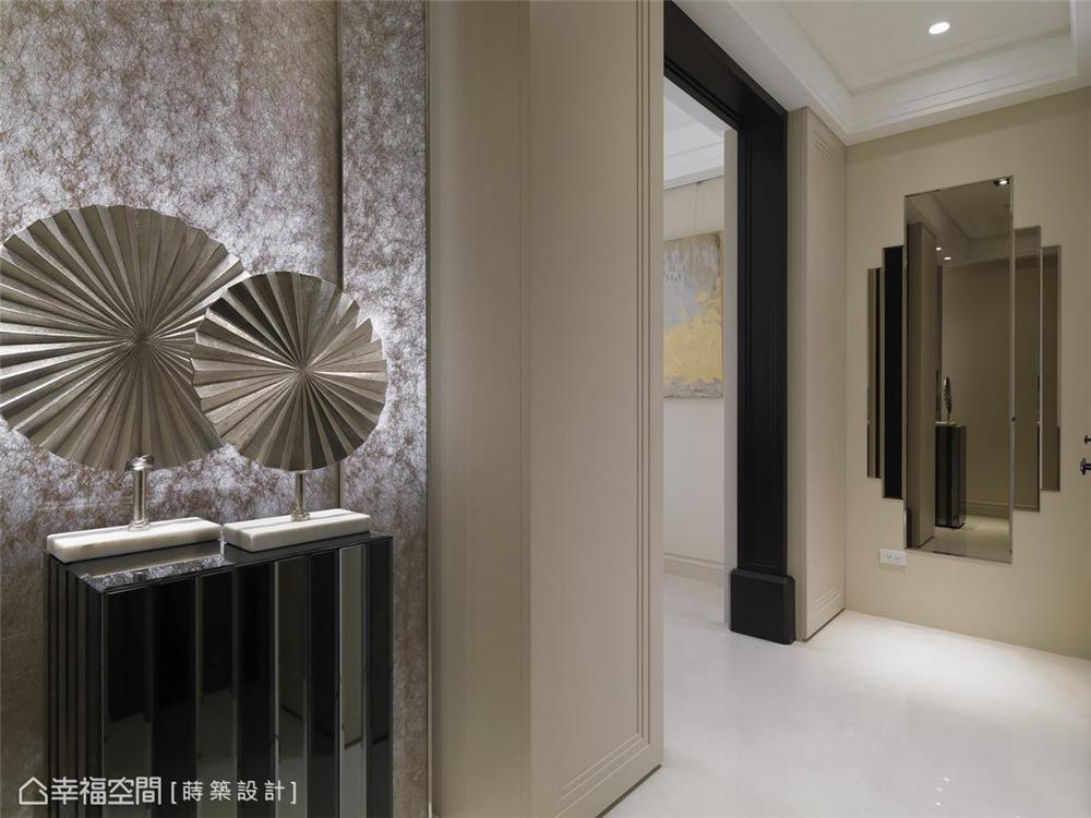装修设计 装修完成 新古典 玄关图片来自幸福空间在132平,坐拥古典语汇中的美好的分享