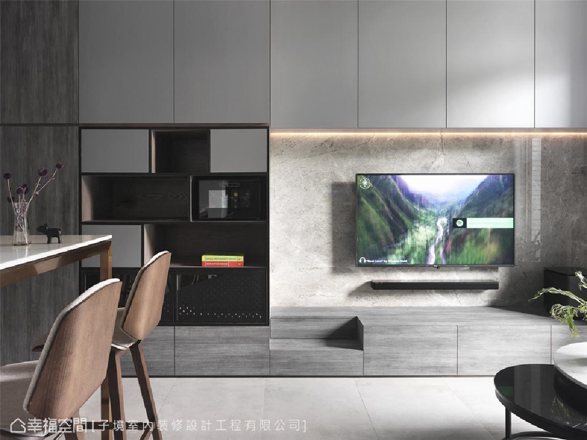 电视墙 将猫砂盆及猫咪走动的阶梯镶嵌于电视墙内,维持洗练线条及干净整洁的生活空间。