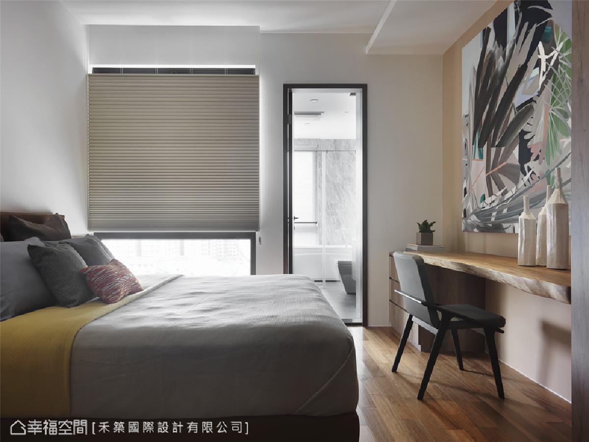 客房 谭淑静设计师顾虑到不能打地铺的客人,设置了有床铺的艺术客房,全方位将屋主的未来需求也细心纳入设