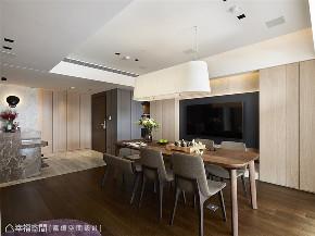 装修完成 装修设计 休闲多元 现代简约 玄关图片来自幸福空间在119平, 凝聚情感的休闲温馨宅的分享