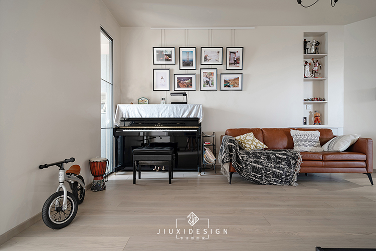 三居 收纳 旧房改造 80后 久栖设计 客厅图片来自久栖设计在网传奇葩户型的颠覆改造的分享