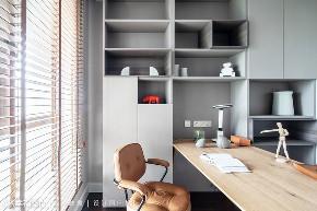 装修设计 装修完成 现代风格 书房图片来自幸福空间在228平,微奢华光感宅的分享