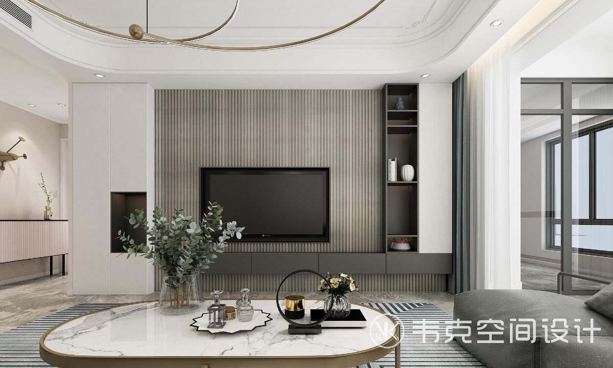 步入客厅,眼前仿佛亮起一幅画,低调的白色背景墙,局部利落的线条装饰,充满艺术性的灯具,优雅的软装配饰,打造出一室的自然氛围。