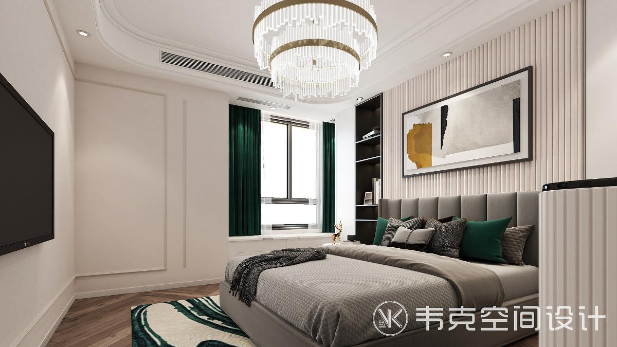 简洁的线条、冷静的色彩搭配出富有质感的主卧空间,灰绿的色彩,营造出灰色度的宁静氛围,令人摆脱繁琐,放松思绪,享受这份近在咫尺的悠闲和宁静。