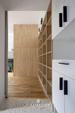 二居 收纳 旧房改造 玄关图片来自久栖设计在40m²小户型整容改造术的分享