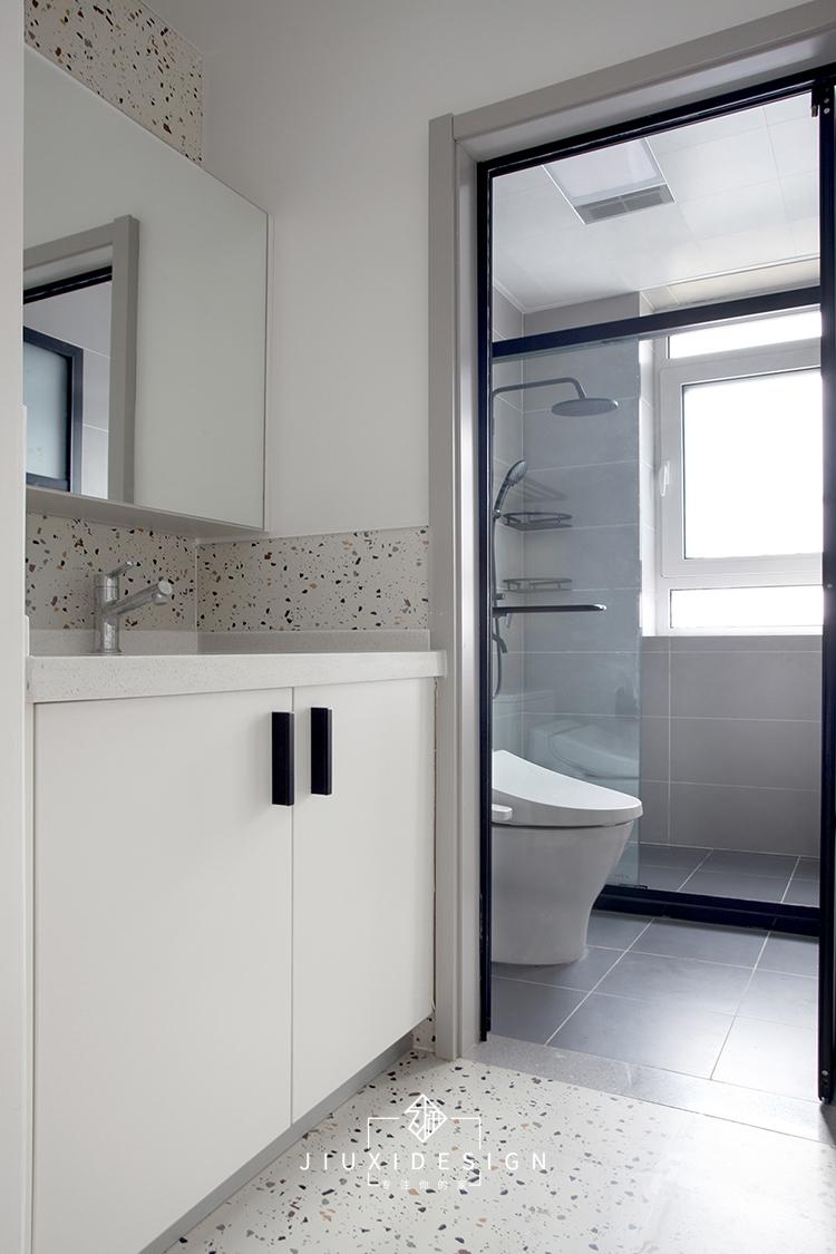二居 收纳 旧房改造 卫生间图片来自久栖设计在40m²小户型整容改造术的分享