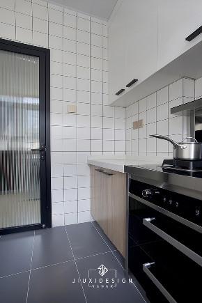 二居 收纳 旧房改造 厨房图片来自久栖设计在40m²小户型整容改造术的分享