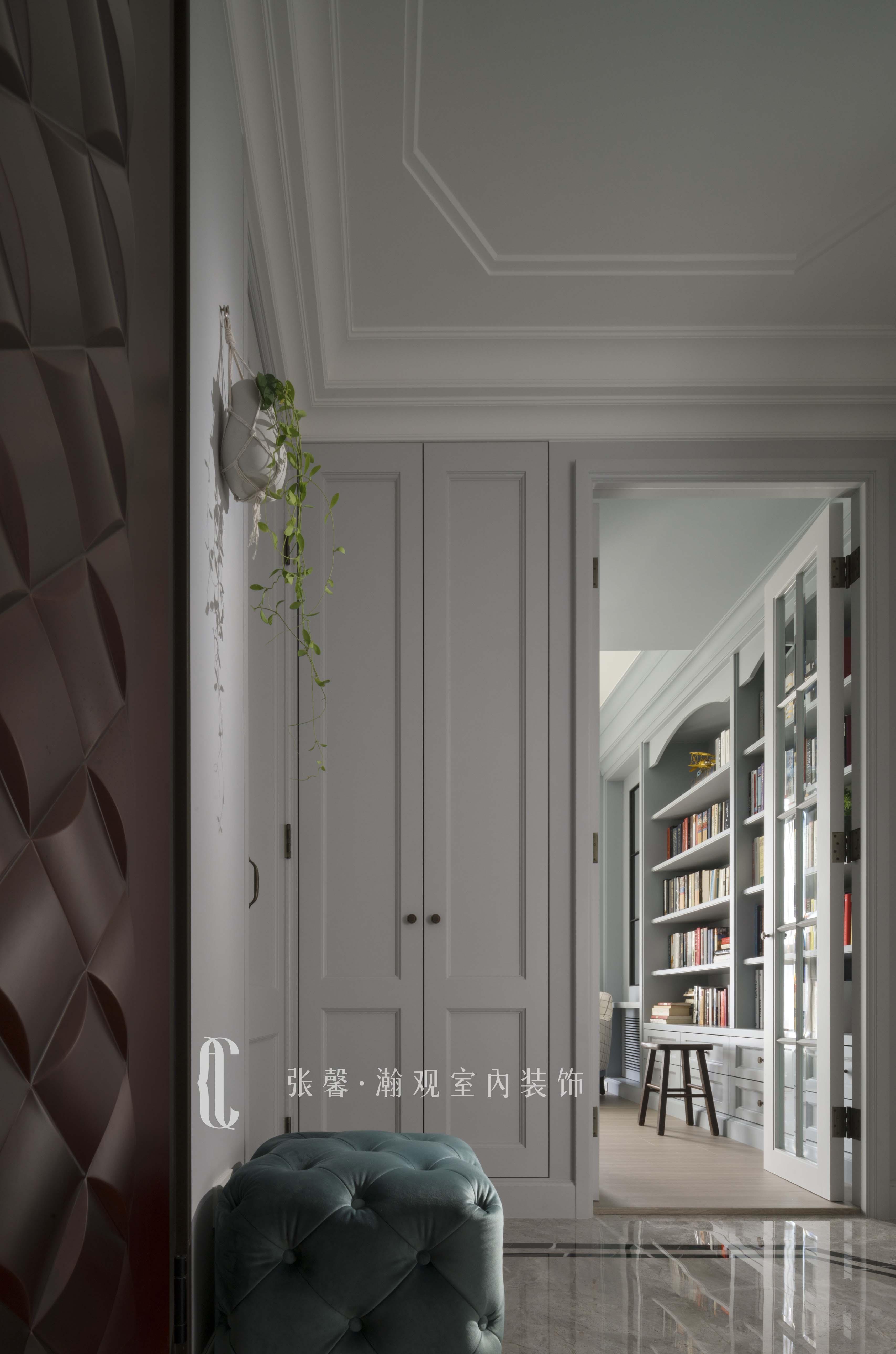 三居 张馨 美式 玄关 书房图片来自张馨_瀚观室内装饰在翱翔 水畔森林的分享
