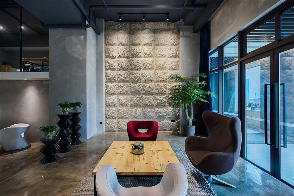 LOFT 办公空间 苜梵设计图片来自苜梵设计在苜梵设计办公空间的分享