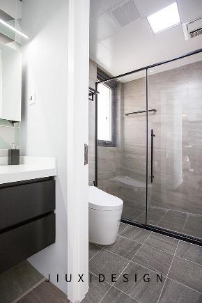 二居 收纳 旧房改造 久栖设计 现代简约 室内设计 家装 装修设计 卫生间图片来自久栖设计在高级灰+纯黑电视墙,精致学区房的分享