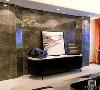 对于注重生活品质的现代人而言,将古典元素和现代元素结合起来,打造一个质朴、典雅的新中式客厅,不仅可以抚慰浮躁的心情,也可以带来返璞归真的生活体验。