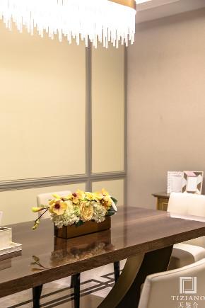简约 混搭 别墅 收纳 80后 白领 小资 餐厅图片来自天鉴合_天鉴整体软装在天鉴合案例|大宁金茂府的分享
