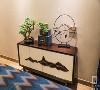 内架构与家具的材质选择上则以木质为主,整体设计简洁、大气,兼顾传统风韵与现代审美,留白、对称、层次感等都要体现出来,有机地建立起一种富有品质感的生活格调。