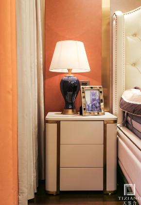 简约 混搭 二居 白领 收纳 80后 小资 卧室图片来自天鉴合_天鉴整体软装在天鉴合案例|宝华城市之星2的分享