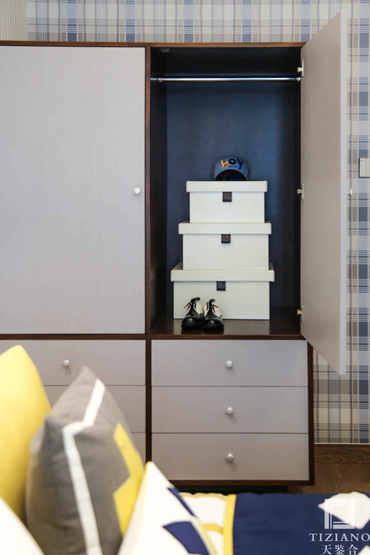 简约 混搭 白领 收纳 80后 小资 儿童房图片来自天鉴合_天鉴整体软装在天鉴合 中核锦悦府样板房案例的分享