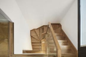 楼梯图片来自乐粉_20200224141614160在留白-等待她的的人写尽芳华的分享