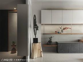 装修设计 装修完成 休闲多元 标准格局 玄关图片来自幸福空间在165平,留住家的记忆与痕迹的分享
