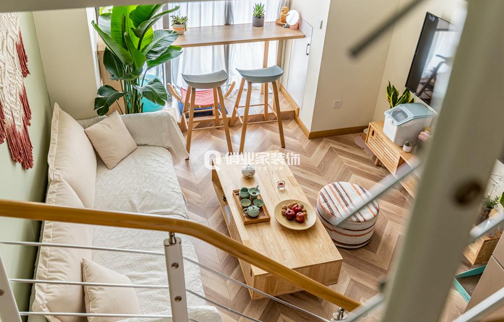简约 客厅图片来自俏业家装饰在蓝光中央广场公寓北欧装修案例的分享