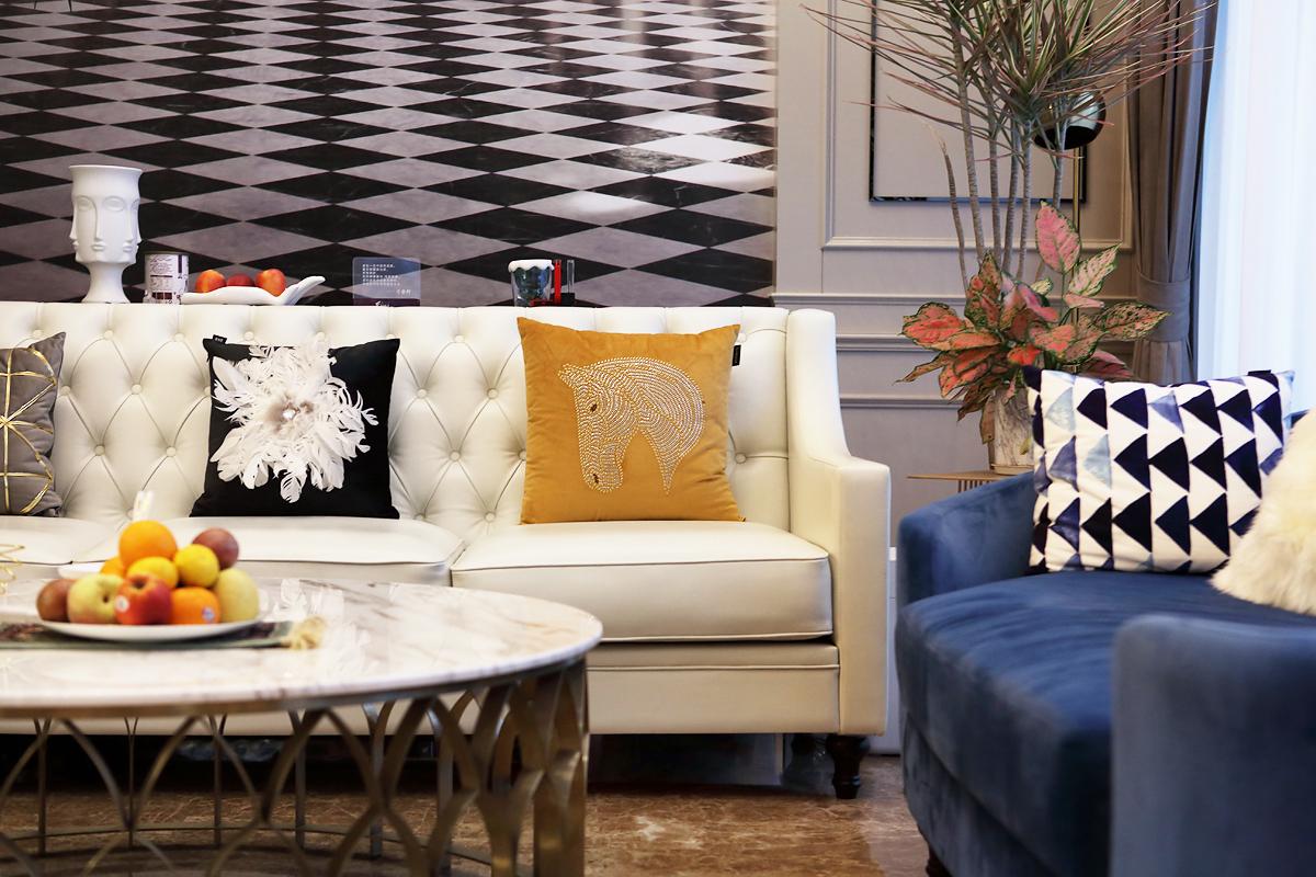 英庭名墅 别墅装修 别墅设计 腾龙设计 客厅图片来自孔继民在英庭名墅别墅装修完工实景拍摄的分享