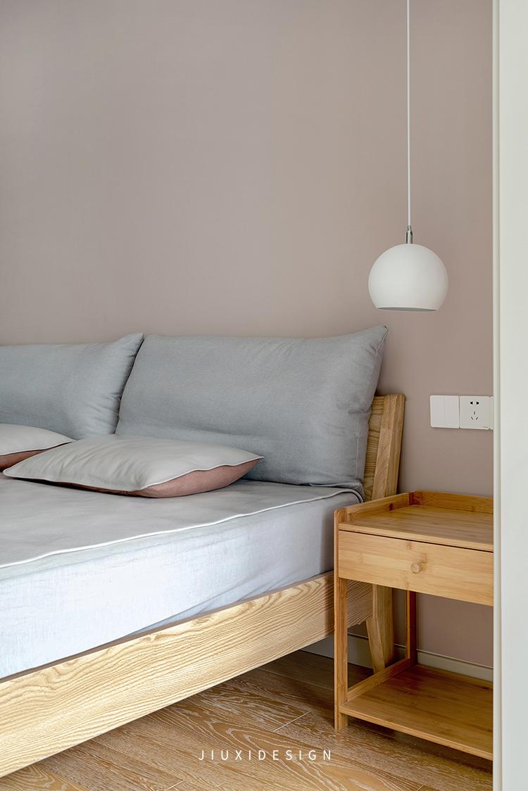 二居 收纳 花园洋房 卧室图片来自久栖设计在颜值与实用并存,如太阳般温暖的分享