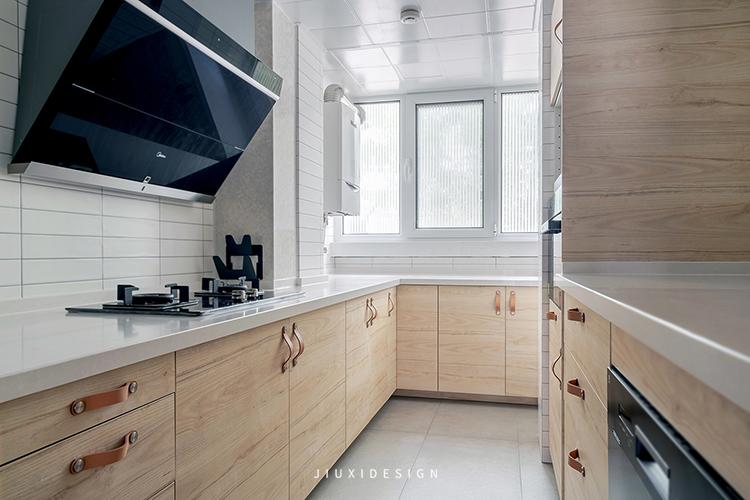 二居 收纳 花园洋房 厨房图片来自久栖设计在颜值与实用并存,如太阳般温暖的分享